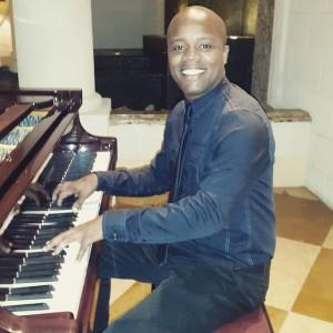 Mantius Cazaubon plays piano.